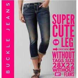 BKE Jeans Size 28x22 Slim Leg Crop Nwot